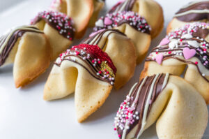 Fortune Cookies with customizable fortunes