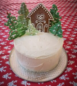 Gingerbread Spice cake with winter details